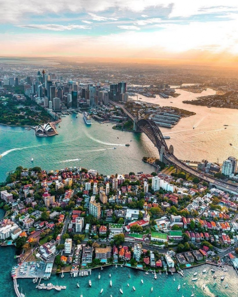 Australia: meno 1 mese