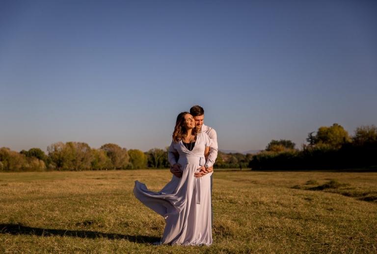 Servizio fotografico di gravidanza al Parco della Caffarella