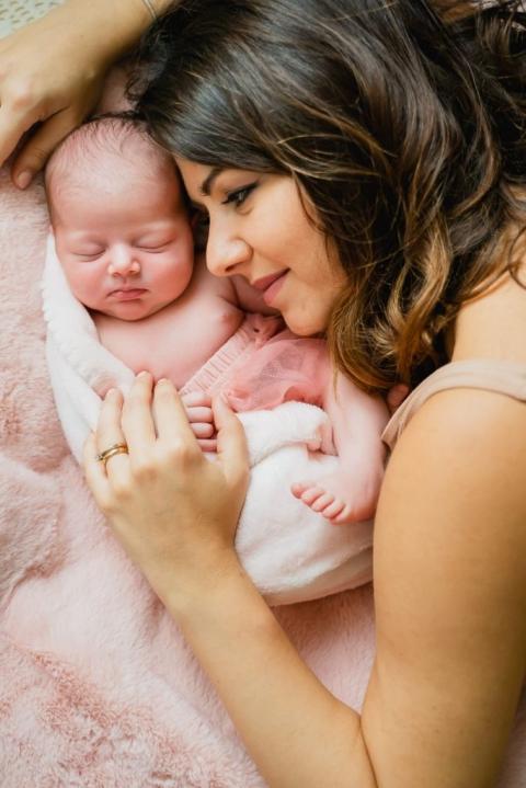 sono diventata mamma la mia sessione newborn 8 683x1024(pp w480 h719) - Sono diventata mamma! La mia sessione newborn | fotografo neonati a Roma